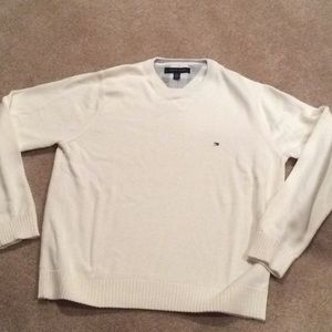 Men's Tommy Hilfiger Sweater large EUC